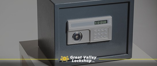 Residential safe made of steel and with a keypad lock.